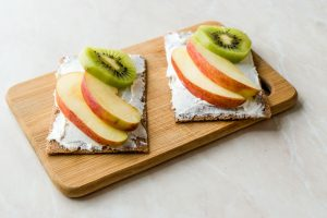 crisp bread with fruits and cottage cheese is rich in protein