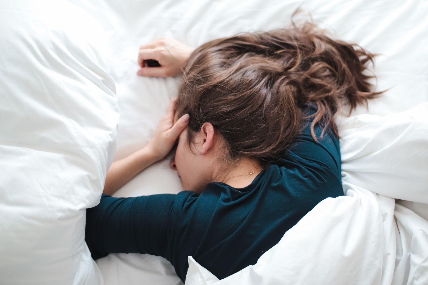 bli kvitt hodepine ved å sørge for nok søvn