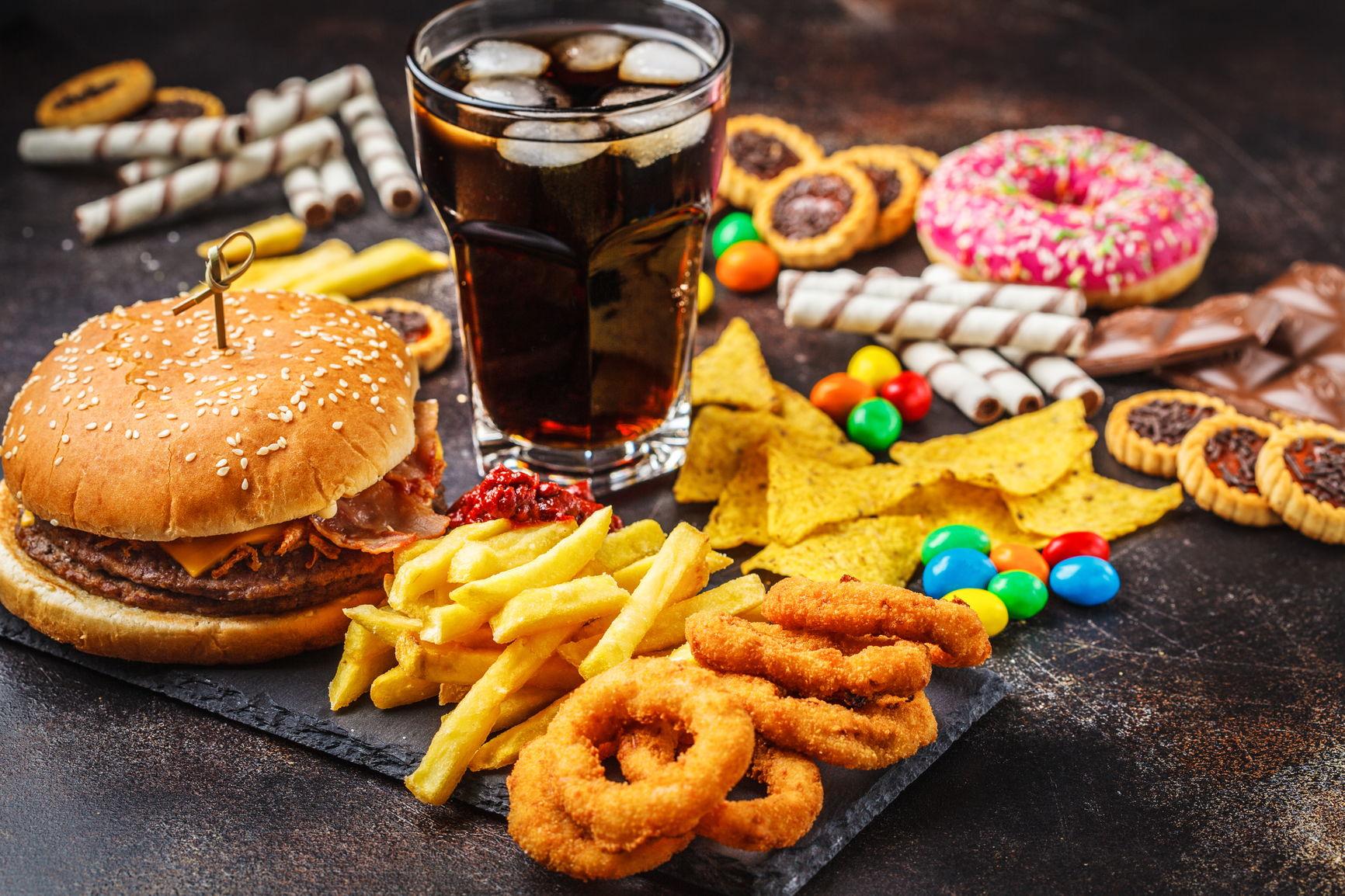 junk food er ikke den beste maten for hud og hår